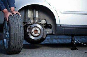 cambio neumáticos badajoz 300x197 - Neumáticos Badajoz