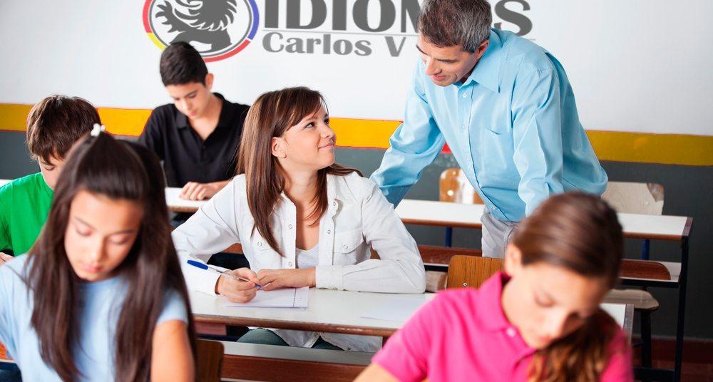 la academia - Escuela de Idiomas Carlos V