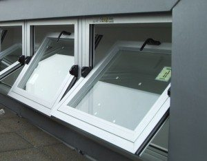 ventanas 300x234 - Ricardo Fidalgo