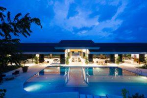 Piscinas de poliéster para tu negocio 300x200 - Introduce una piscina de poliéster en tu negocio