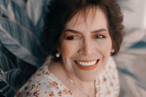Clinica dental en Sevilla y carillas dentales 300x200 - Preguntas sobre las carillas dentales