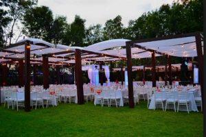 cortijo para bodas Sevilla 1 1 300x200 - Organiza una boda de oro sorpresa para tu mujer
