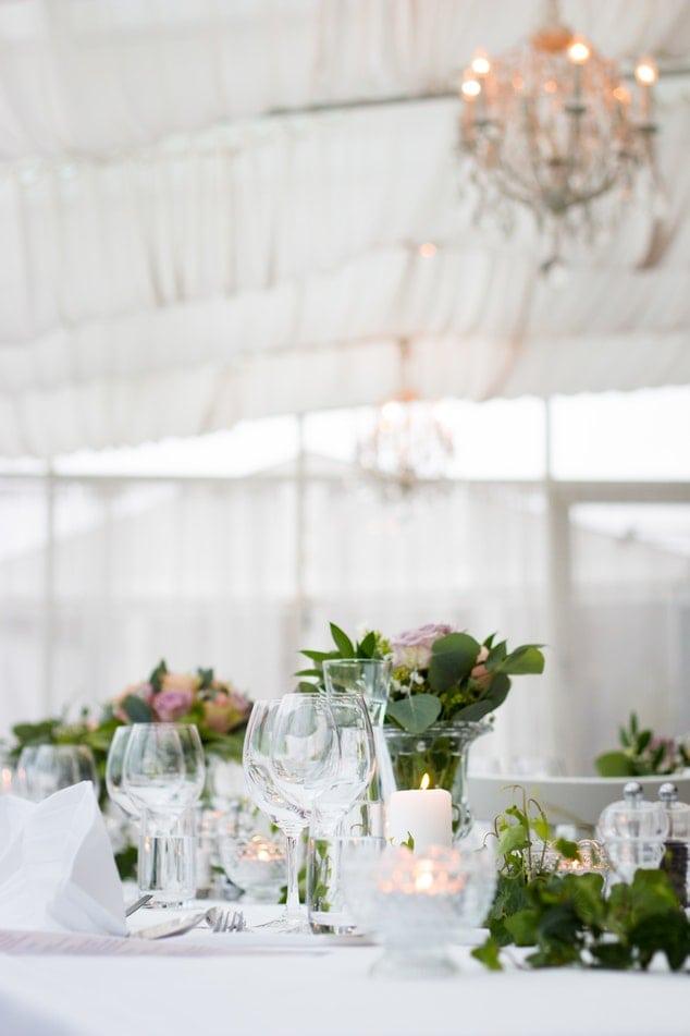 photo 1502635385003 ee1e6a1a742d - Alquiler mobiliario para bodas