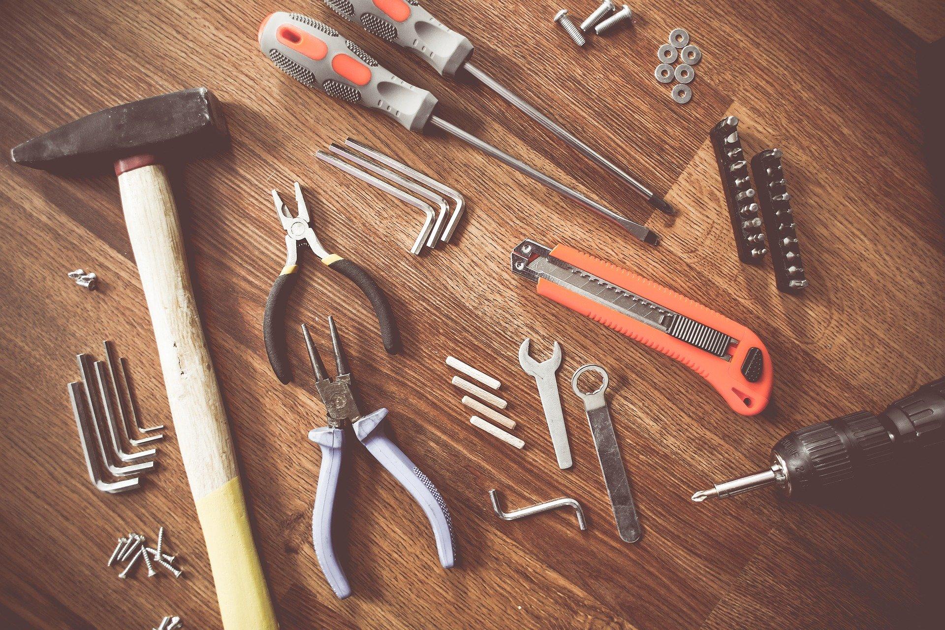 tools 864983 1920 - ¿Cuándo debo llamar al servicio técnico?