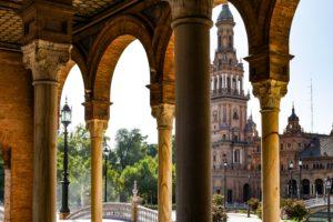 v2f l4uWmLP4RcU unsplash 300x200 - El arte de un tablao flamenco en Sevilla